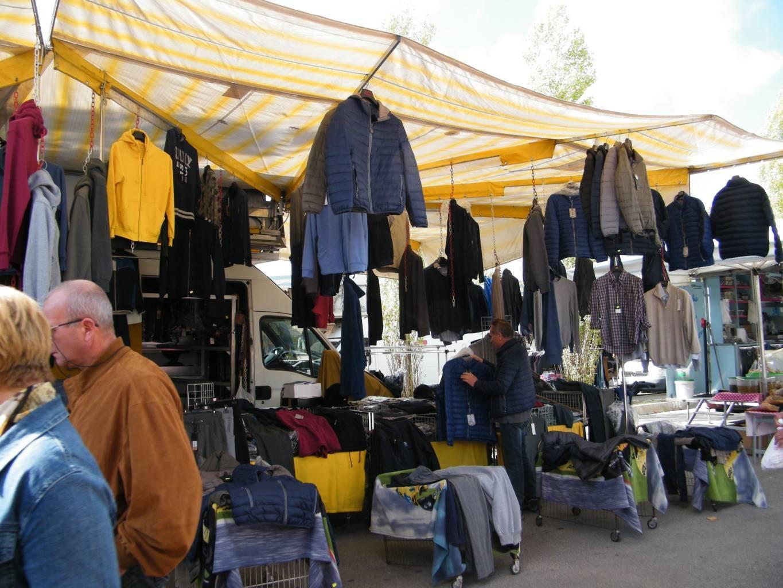 Castellani Sauro – Abbigliamento Uomo, Donna E Sportivo