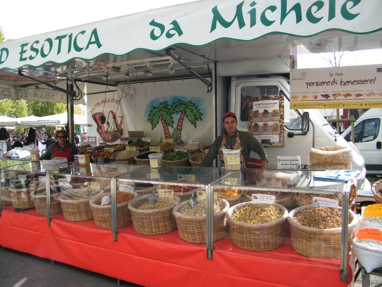 Michele Ottavianelli – Frutta Secca Ed Esotica Da Michele – Specialità Olive