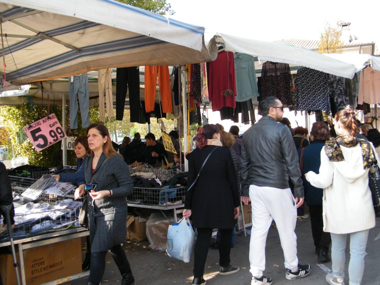 Mizi Sanaullah – Abbigliamento Maglieria E Giacconi Uomo E Donna