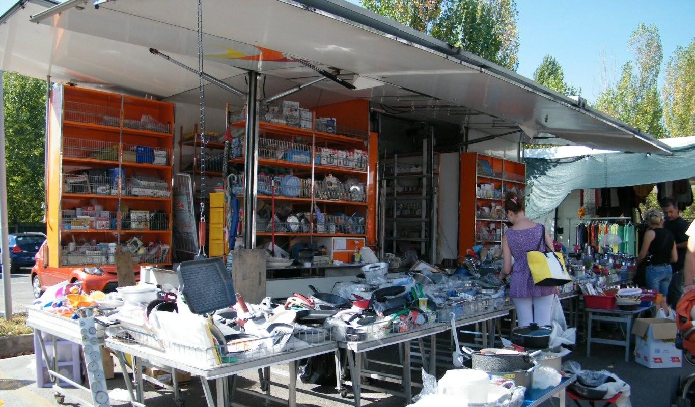 Federico brozzi casalinghi e prodotti per la casa gli ambulanti di pian di massiano - Prodotti per pulire casa ...
