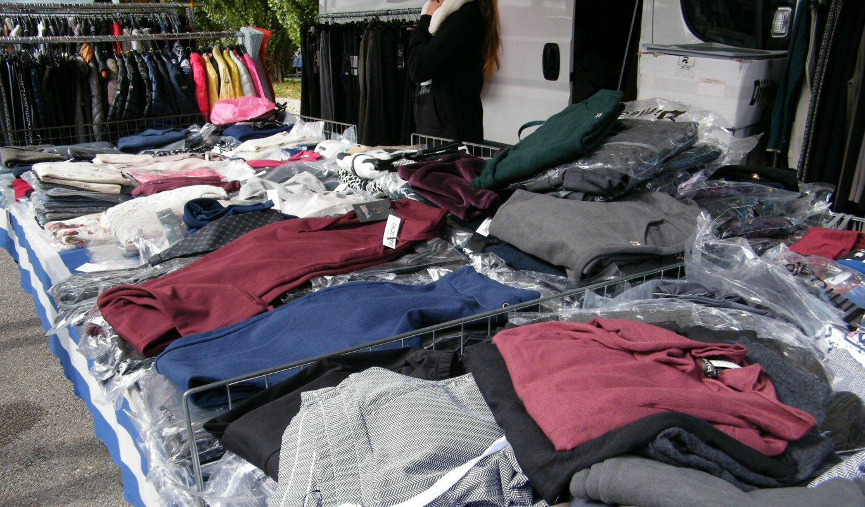 Nadia Azaizia – Abbigliamento